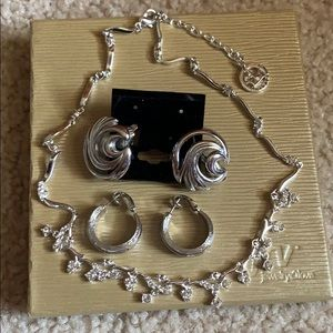 TRIFARI EARRINGS AND NECKLACE